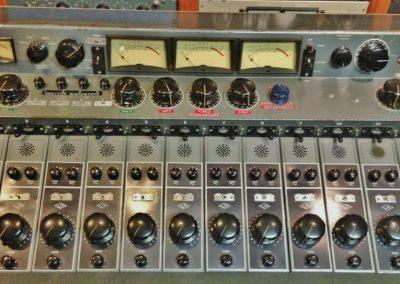 Universal Audio 610 Console
