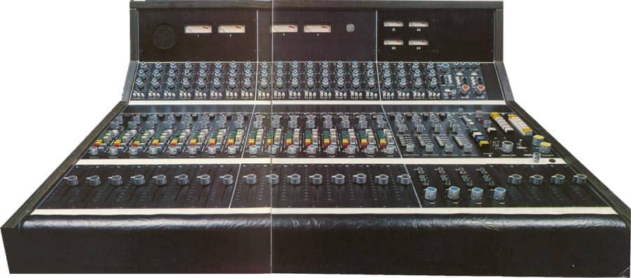 API 1604 Mixing Console