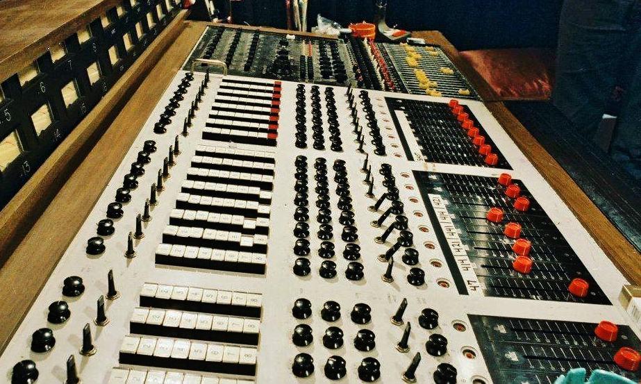 DeMedio Mixing Console